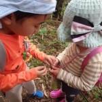 笹船の作り方を教える